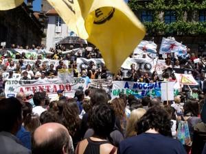Manifestación en Santiago contra la mina de Corcoesto