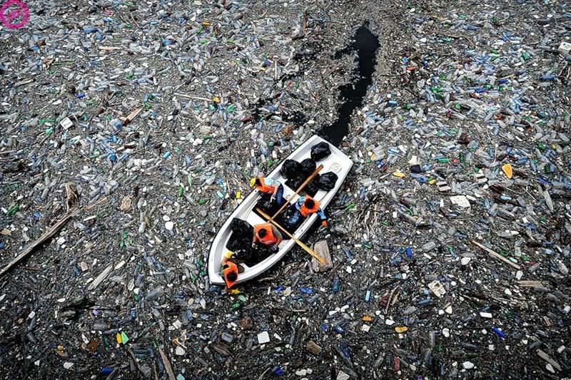 toneladas-de-plastico-en-el-oceano