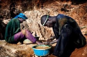 Explotacion-de-minerales-para-moviles-causa-6-millones-de-victimas